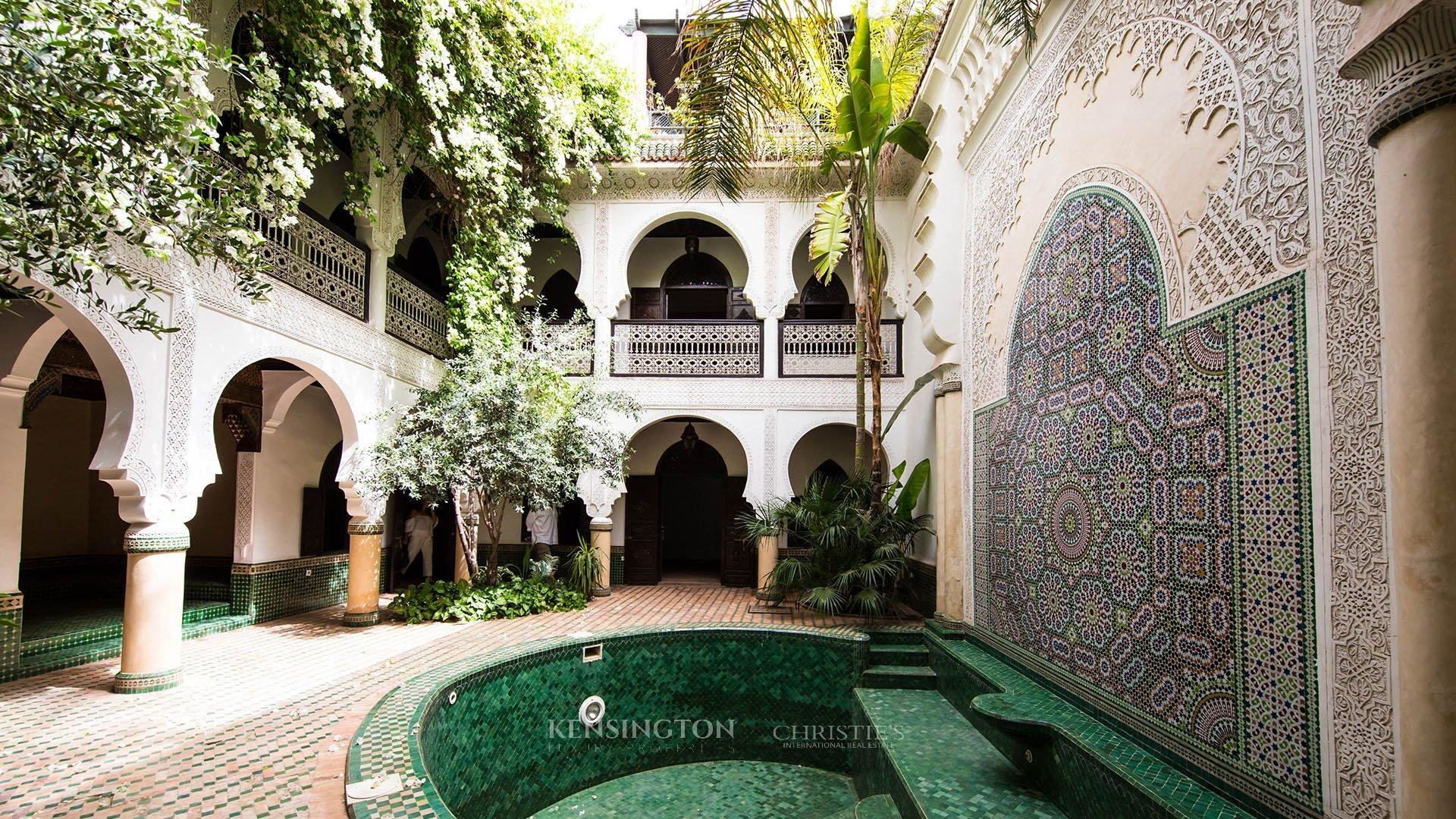 Riad vendre marrakech riad wasat kensington morocco for Riad piscine privee marrakech