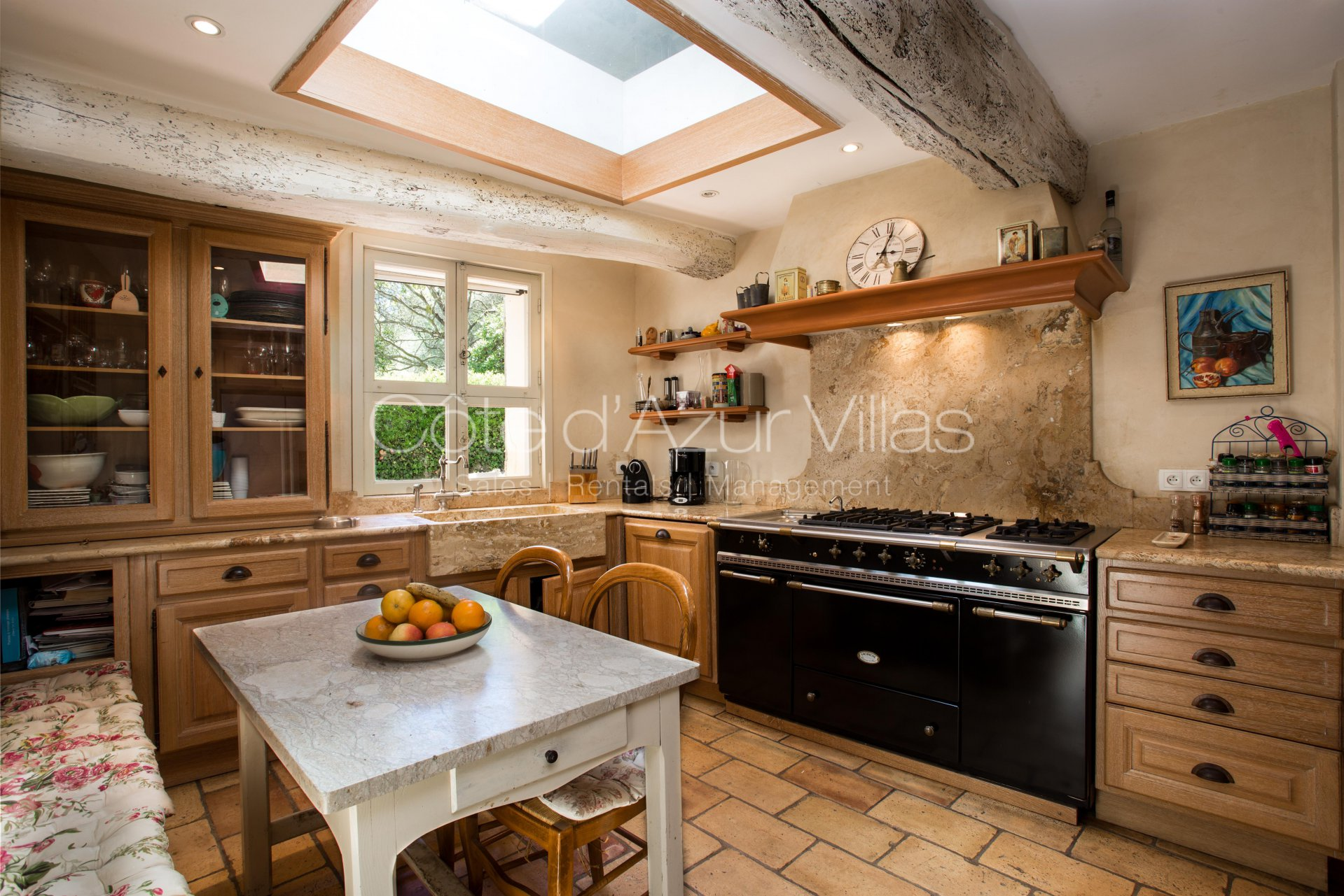 Skylight, natural light, kitchen bar