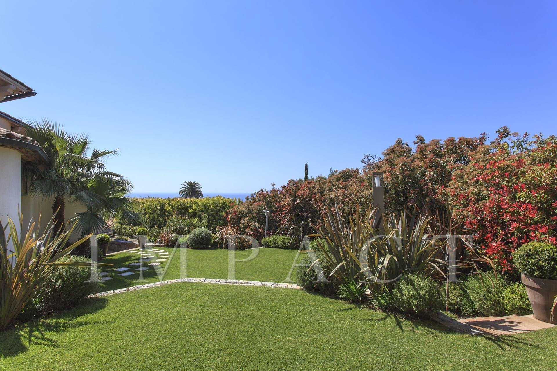 Comtemporary villa to rent Cannes