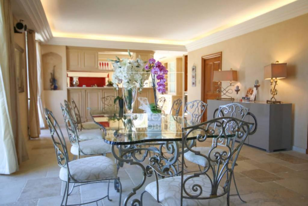 PRESTIGIOUS PROPERTY IN MOUGINS