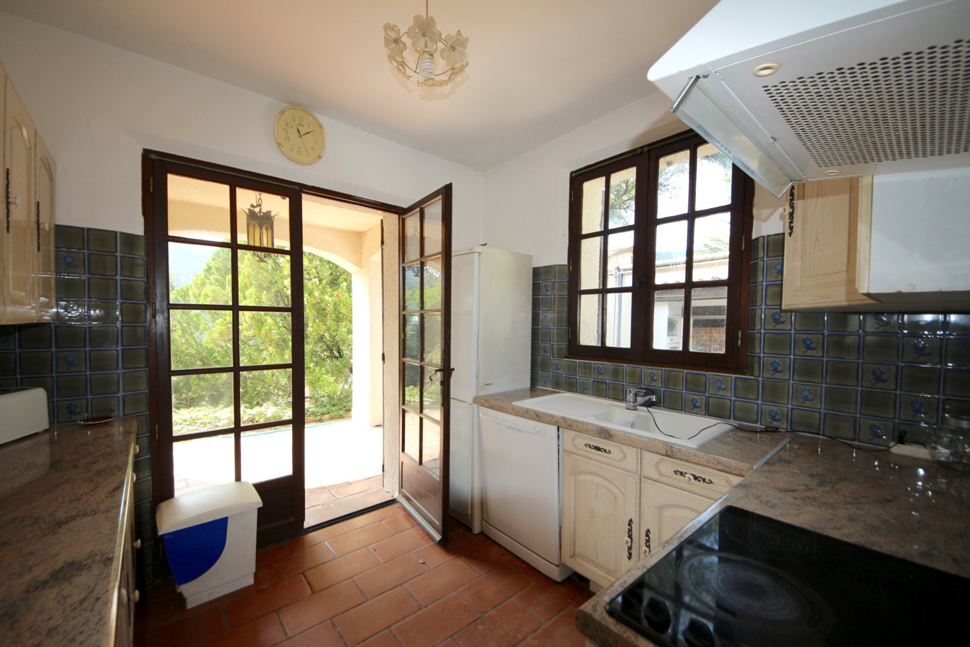 Provencal bastide in a calm and residential area at 20mn from Cannes