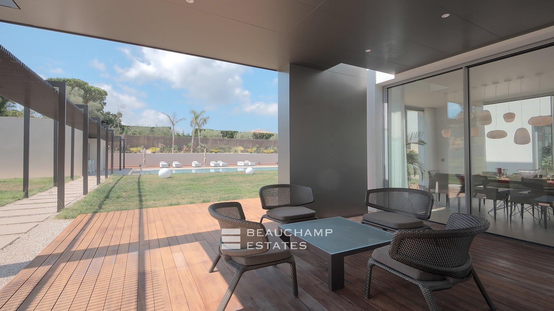 Contemporary 5 Bedroom Holidays Villa in Mougins