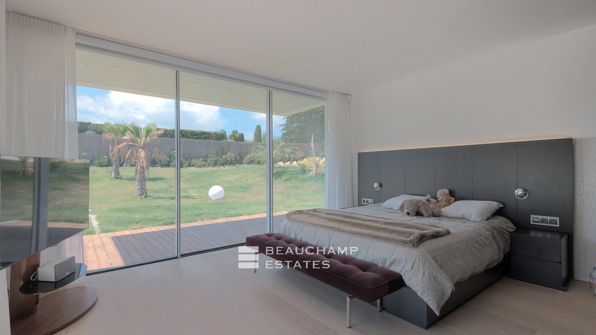 Villa Contemporaine de 5 Chambres située dans le Charmant Village de Mougins