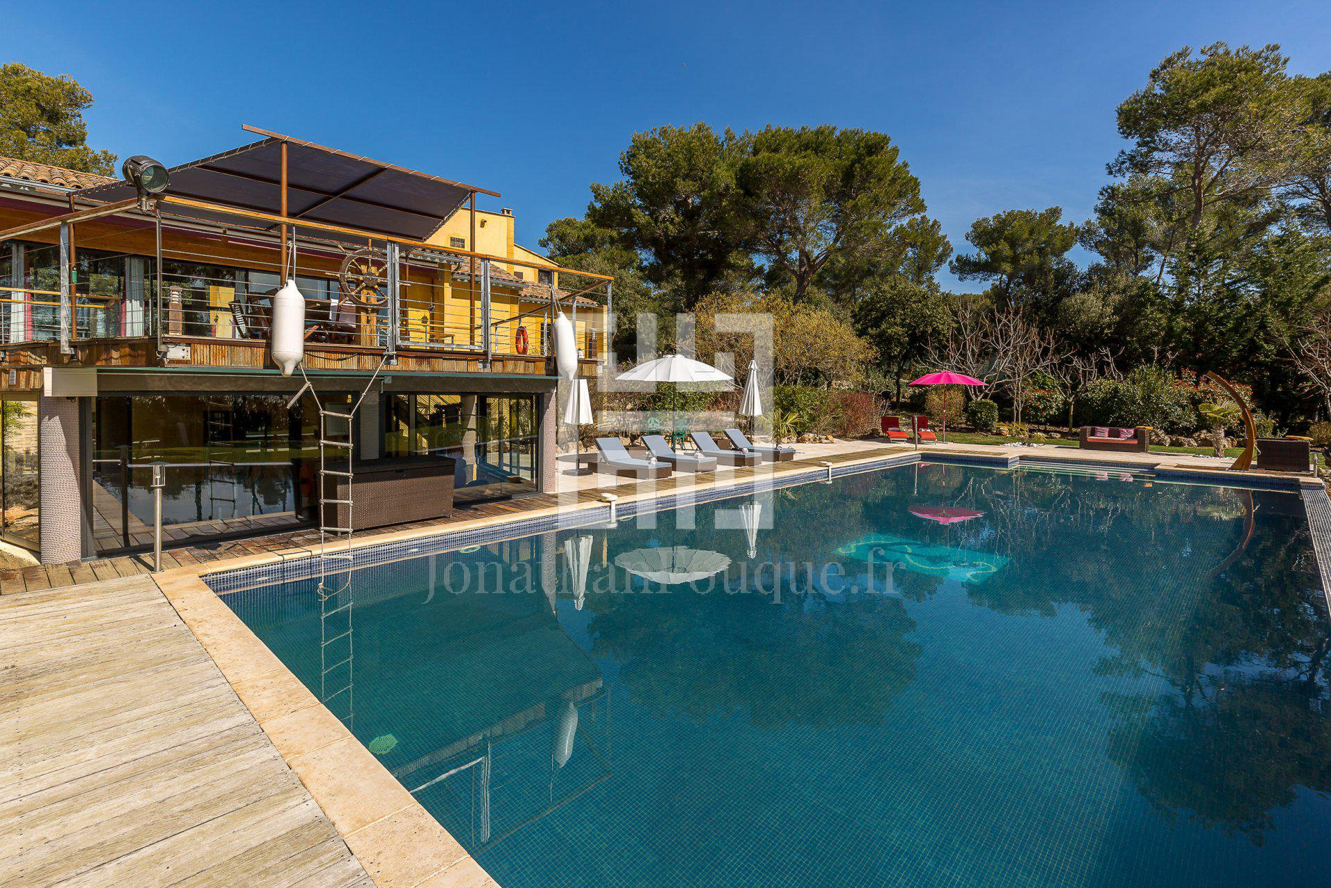 AIX-EN-PROVENCE - LUXURY ARCHITECT VILLA