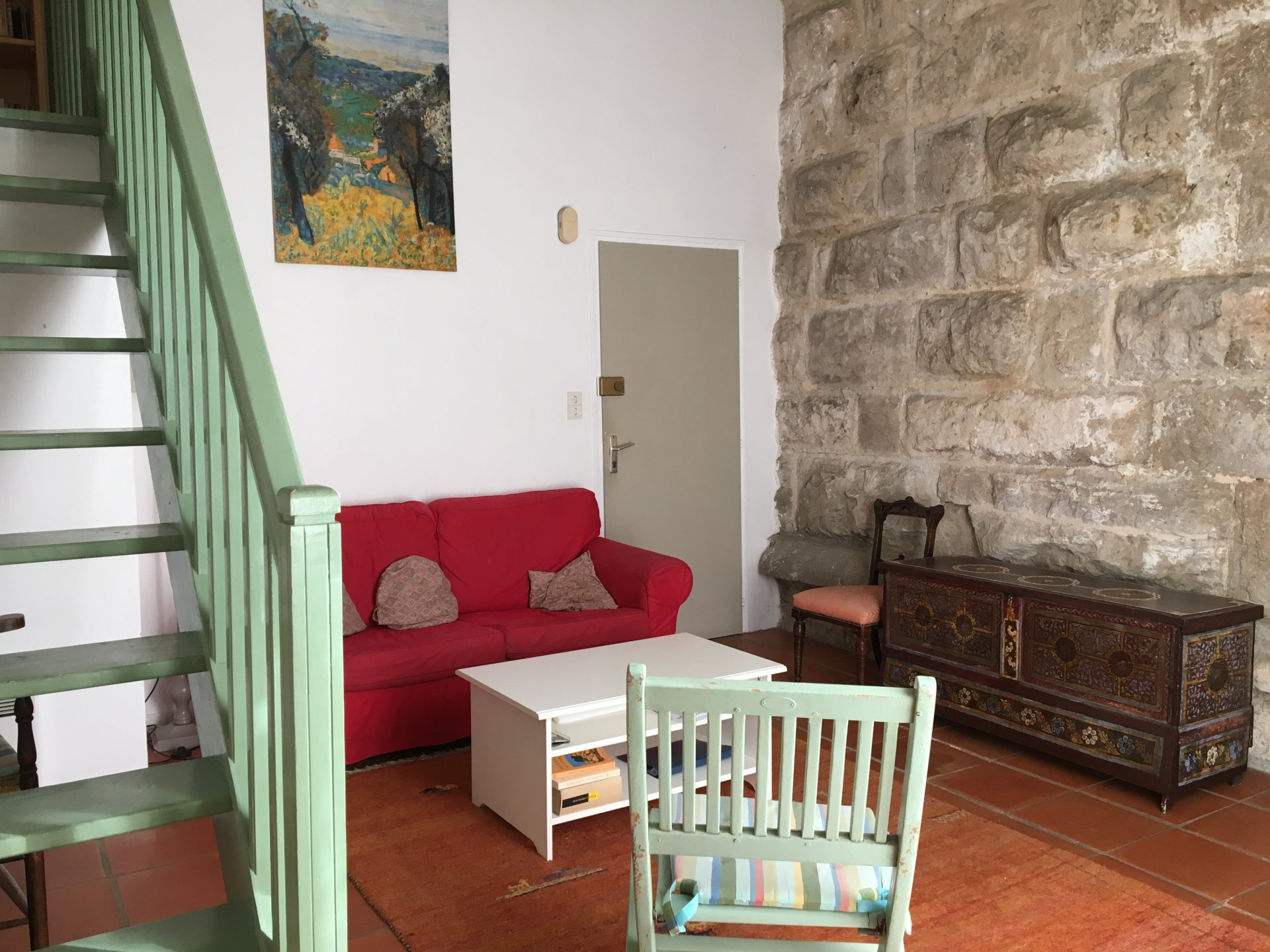 Ideal 2 bedroom flat for sale in Cotignac with pool
