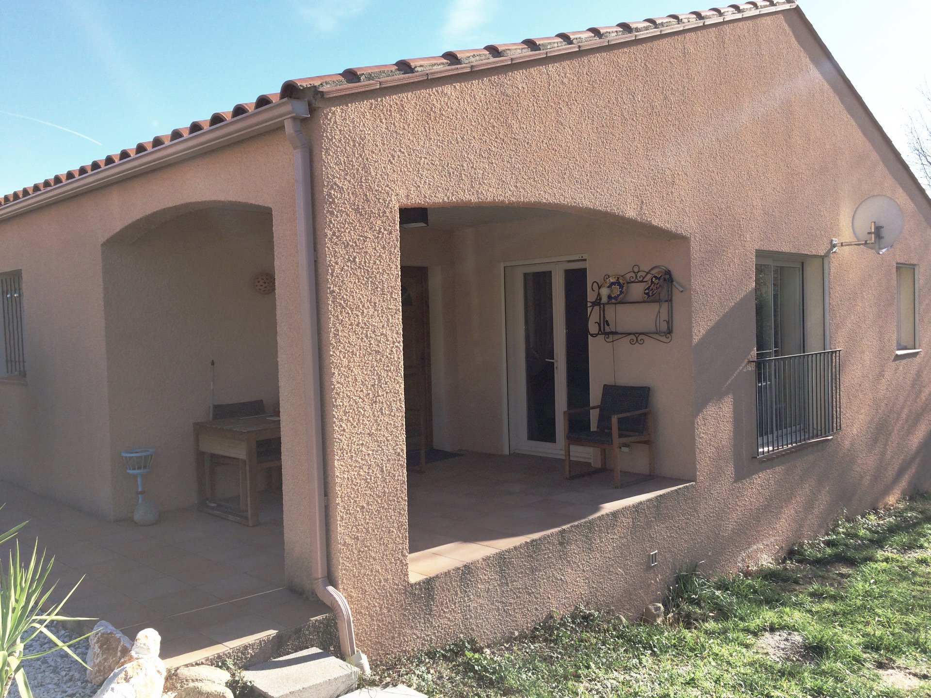 A Prades- Villa 3 faces- 3 chambres-jardin-garage.