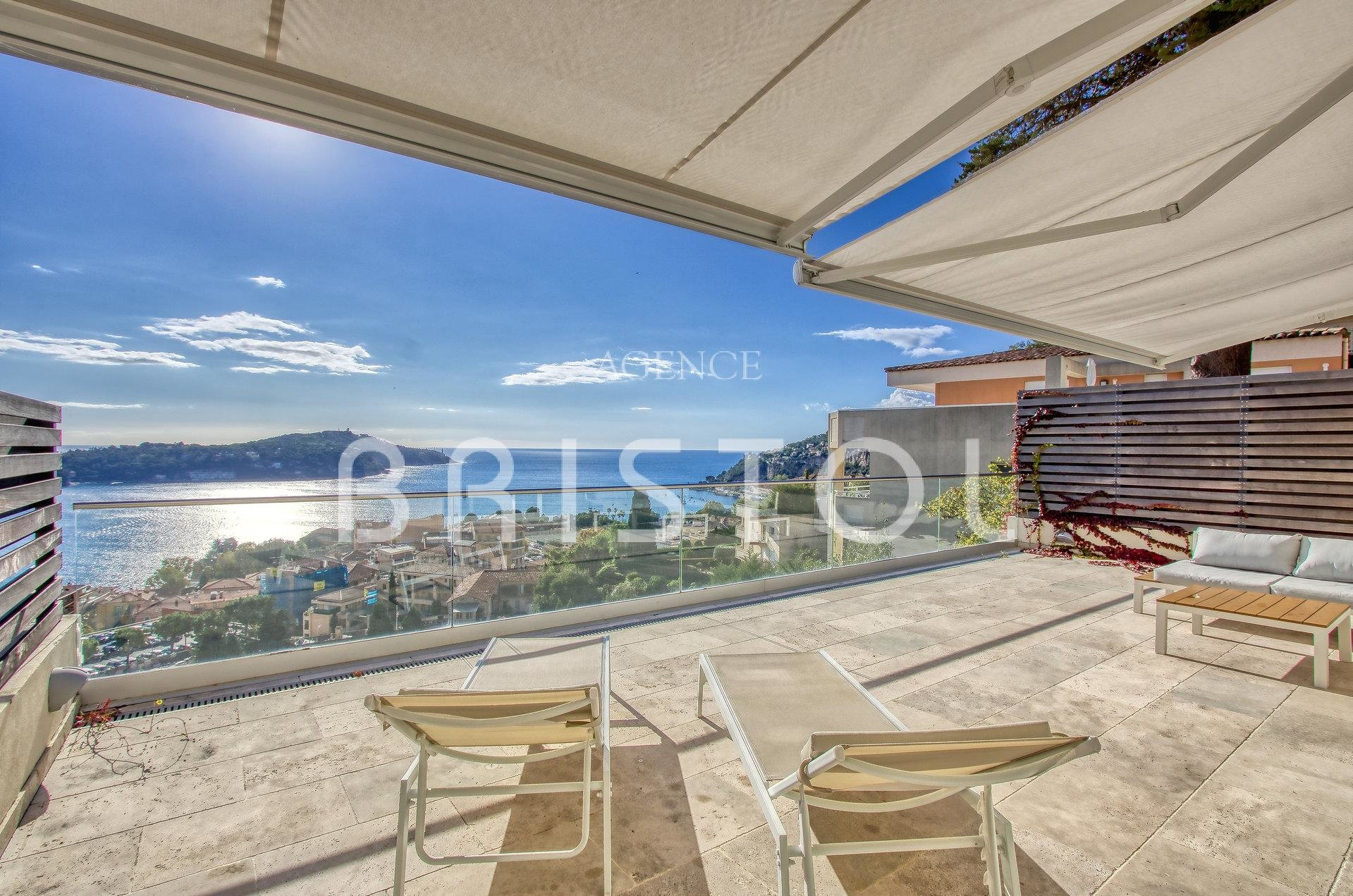 CONFORTABLE APARTMENT FOR SALE 3 BEDROOMS VILLEFRANCHE SUR MER SEA VIEW