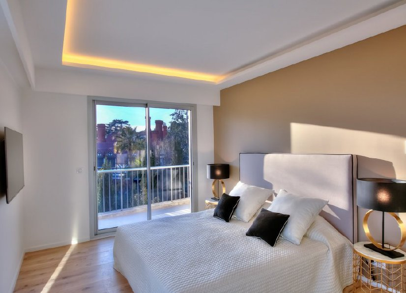 CANNES CALIFORNIE - VAST 3-BEDROOM APARTMENT