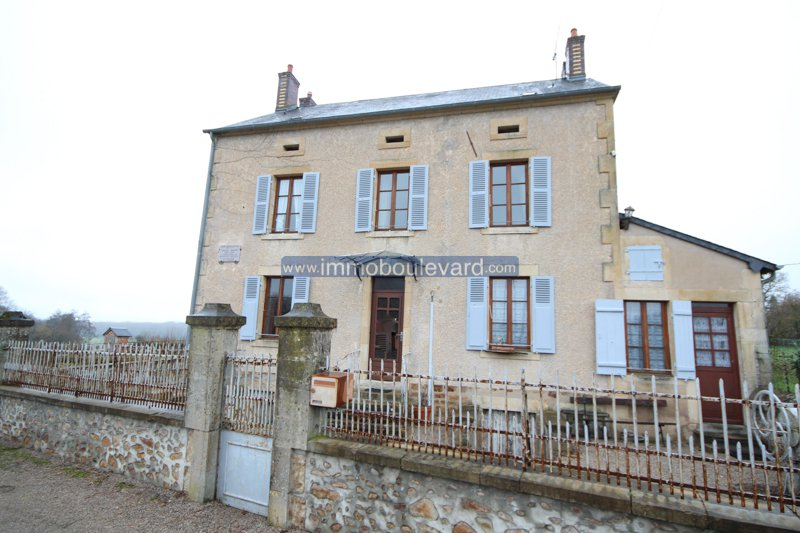 Large house for sale in the Morvan in Burgundy