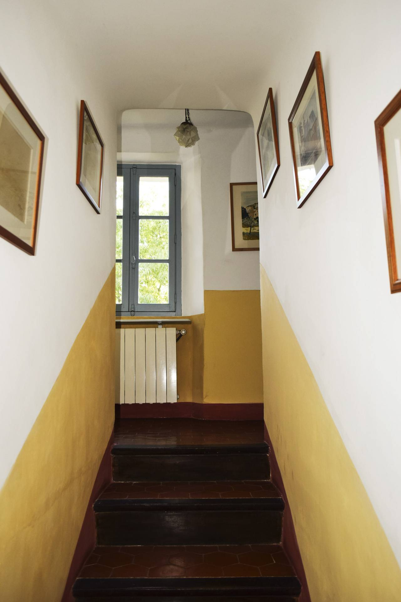 bedroom corridor renovated country house on 8 ha, swimming pool, caretaker's house, aups var, provence
