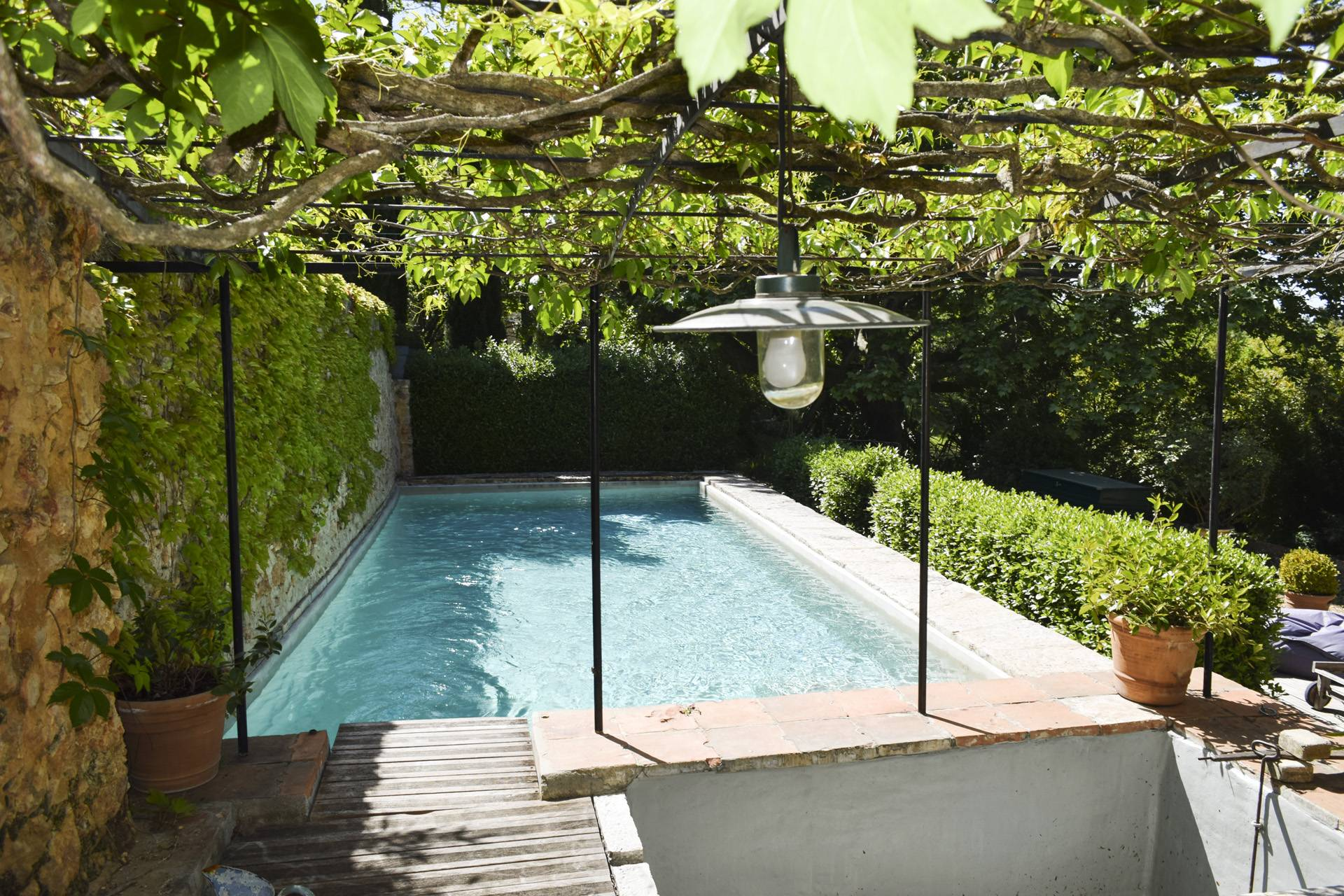 swimming pool  renovated country house on 8 ha, swimming pool, caretaker's house, aups var, provence