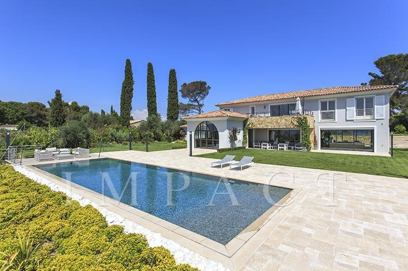 magnificent contemporary new villa in Mougins