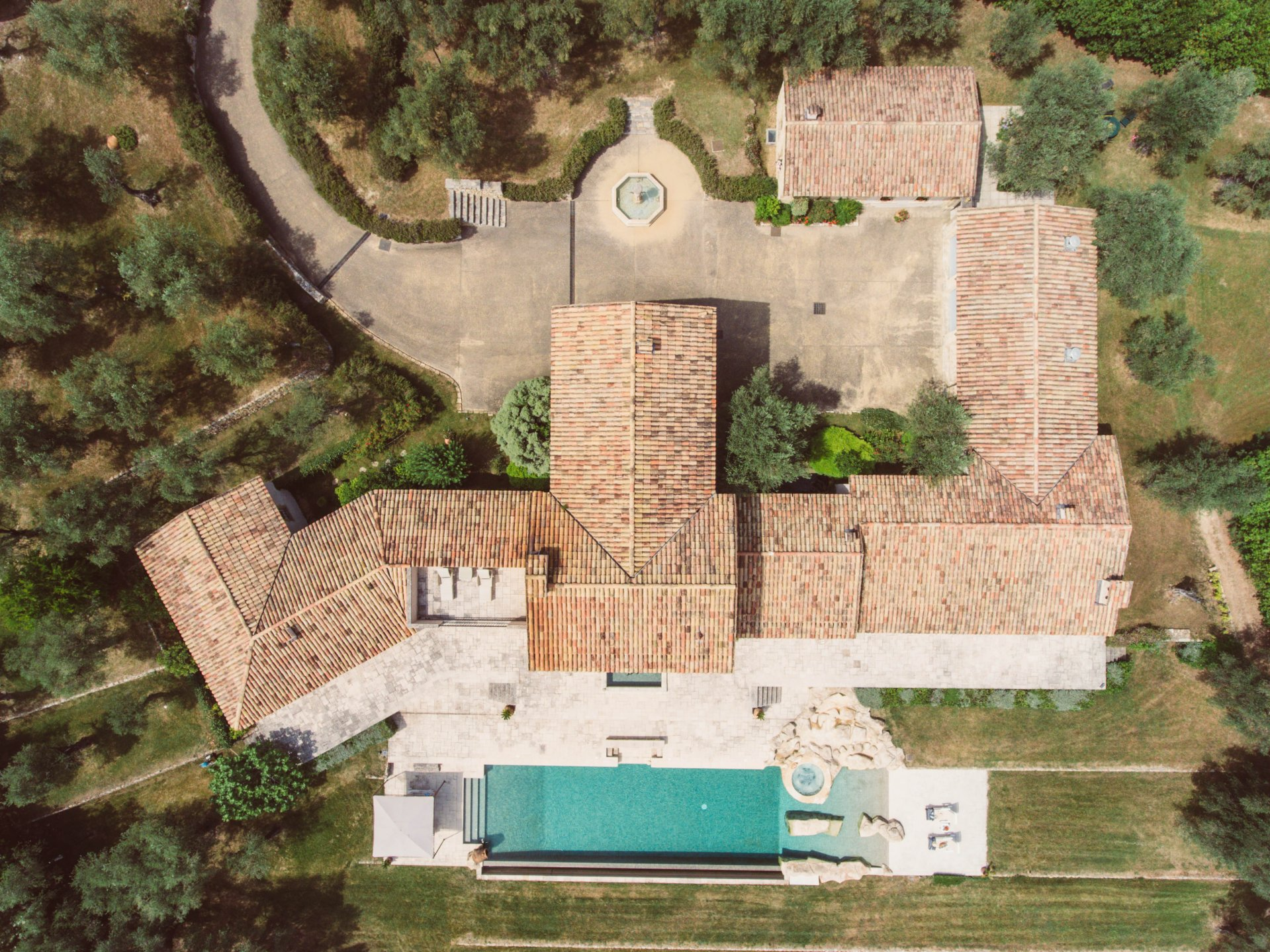 CHATEAUNEUF : Bastide d'exception - Vue panoramique mer