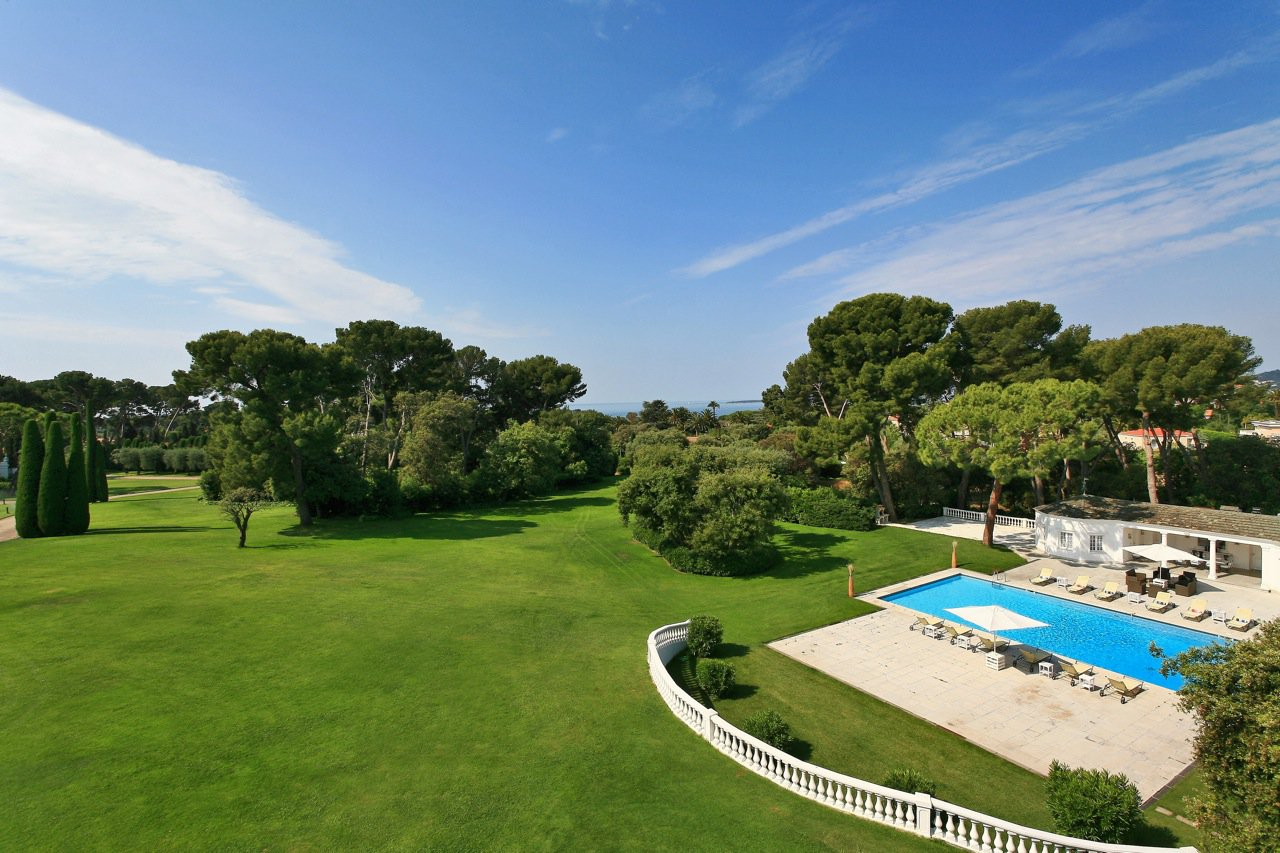 EXCEPTIONAL PROPERTY - CAP D'ANTIBES