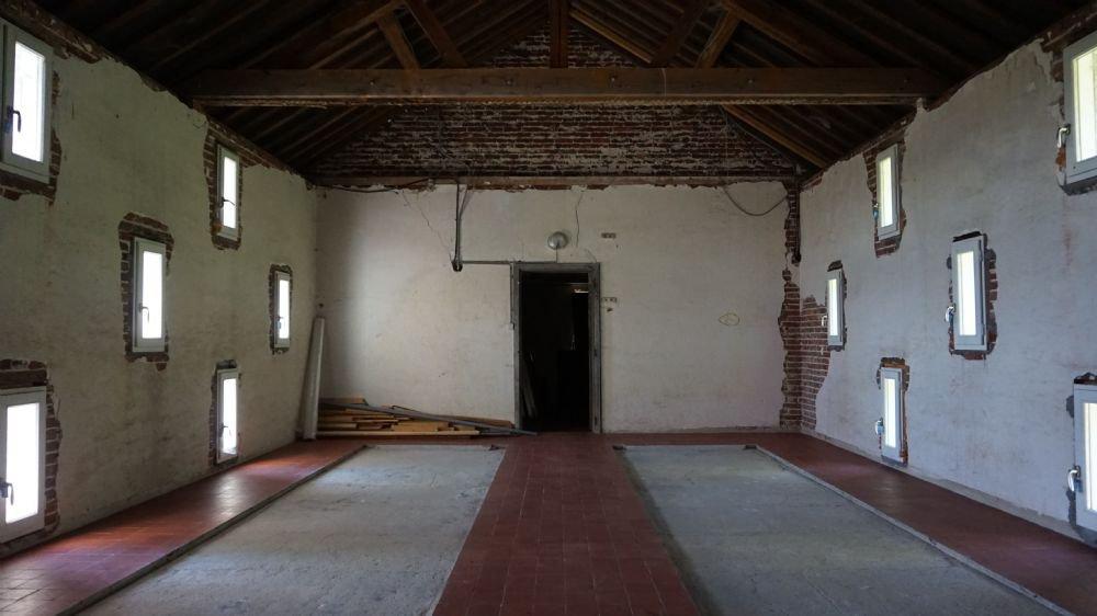 PAYS D'AUGE - CALVADOS Proche de Livarot un haras avec 14 ha environ