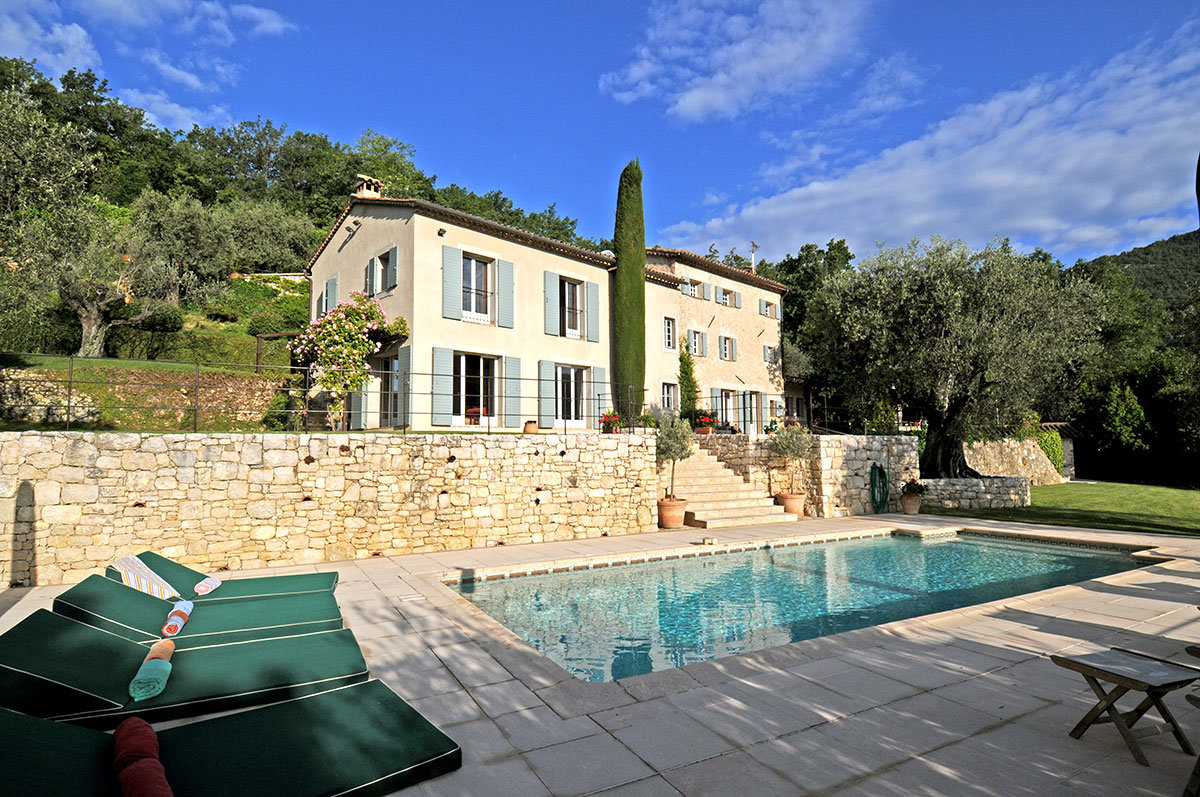 Bar sur Loup - beautifully renovated property with panoramic views,  for sale