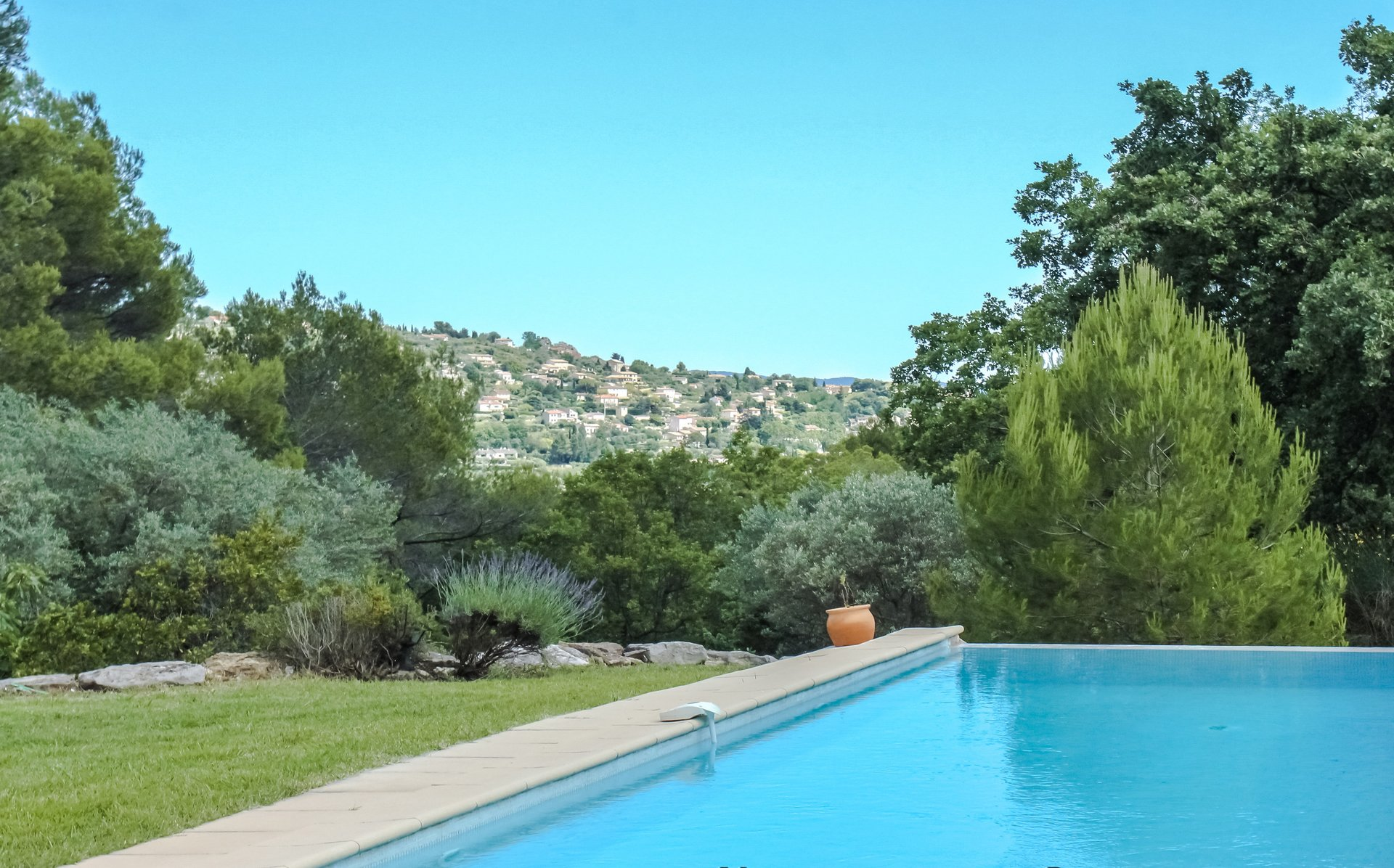 Fayence: lovely view, peacefull location
