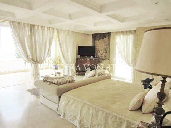 Chambre, lumière naturelle, moquette