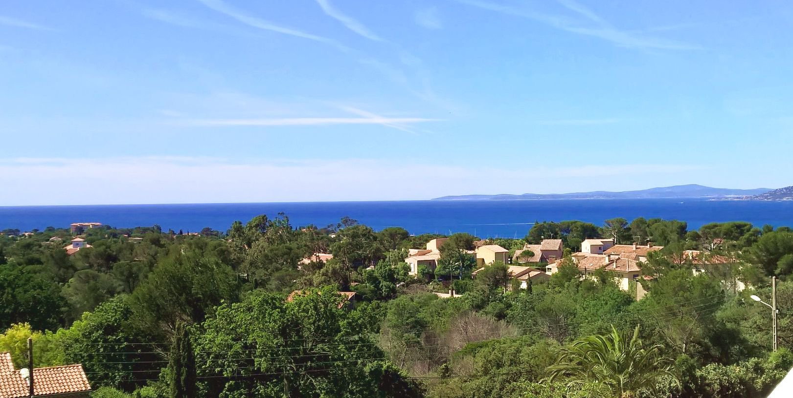 SEA VIEW CONTEMPORARY APARTMENT IN SAINT RAPHAEL