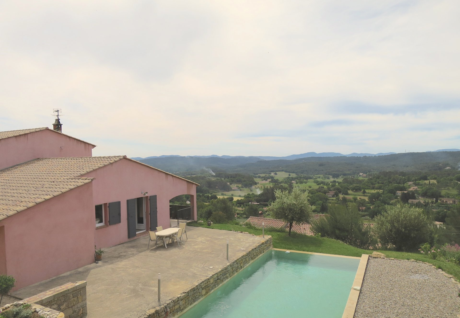 Villa with pool and panoramic view over Lorgues