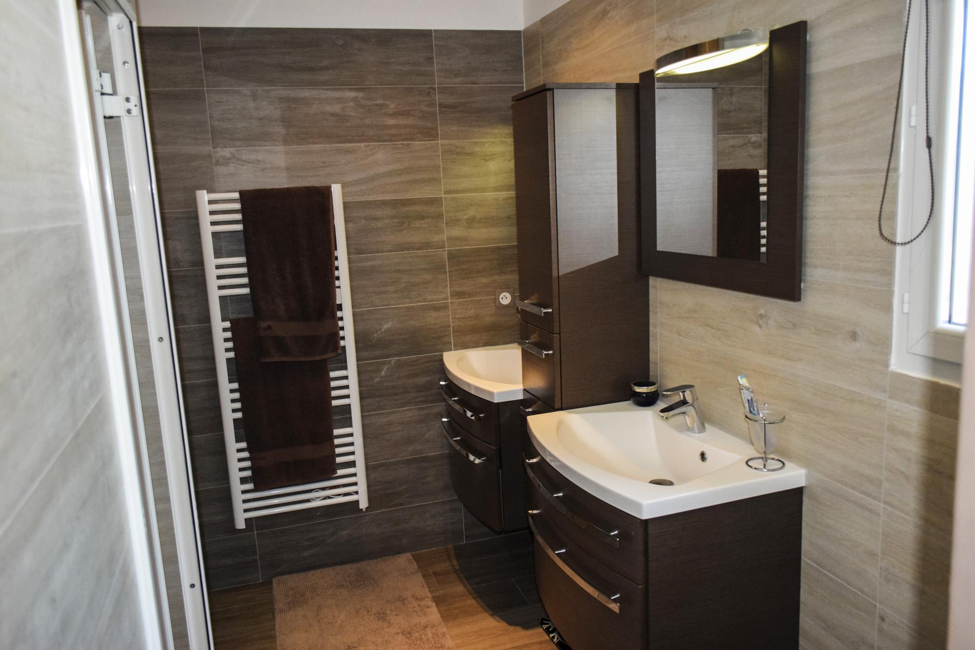 Nice modern shower room, Tourtour Var Provence