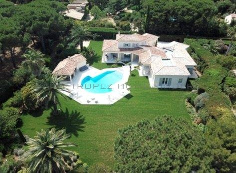 Magnificent property close to the beaches