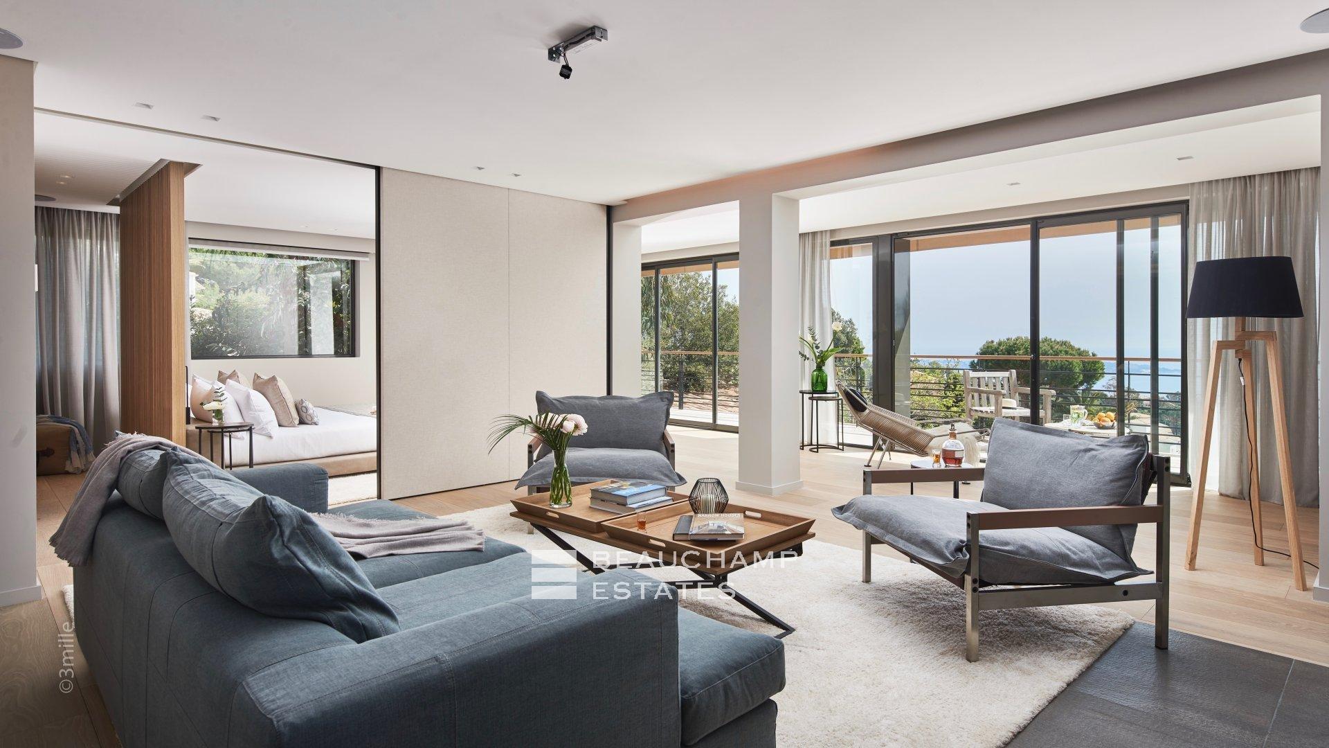 Magnifique domaine privé de 9 chambres avec vue imprenable sur la mer dans les collines du Super Cannes.