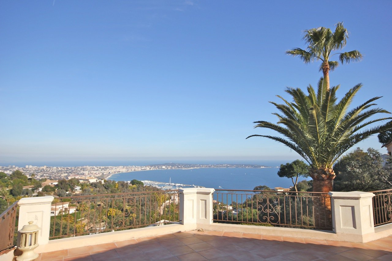 VILLA - SUPER CANNES