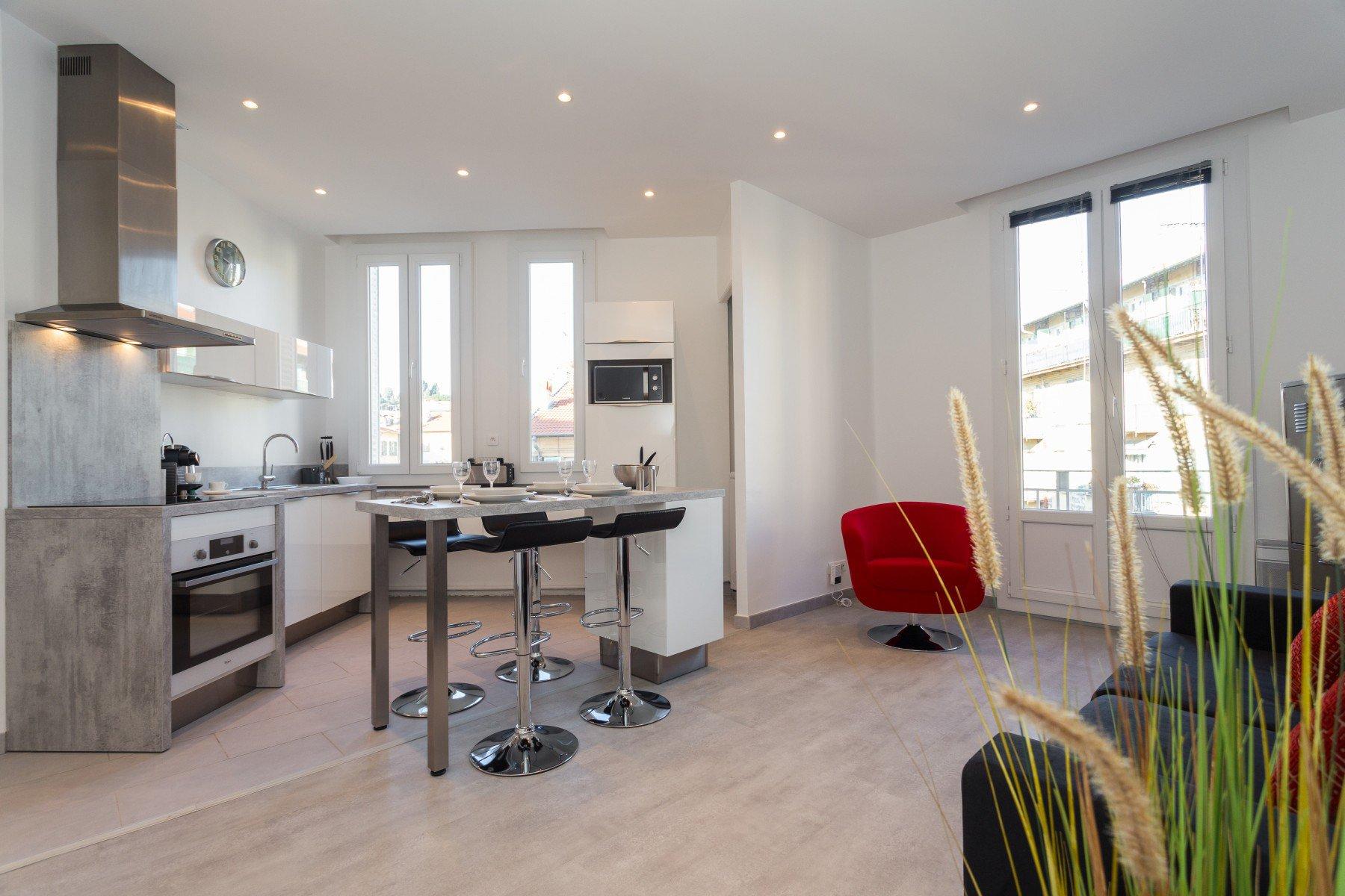 Location deux pièces meublés - Rue LASCARIS