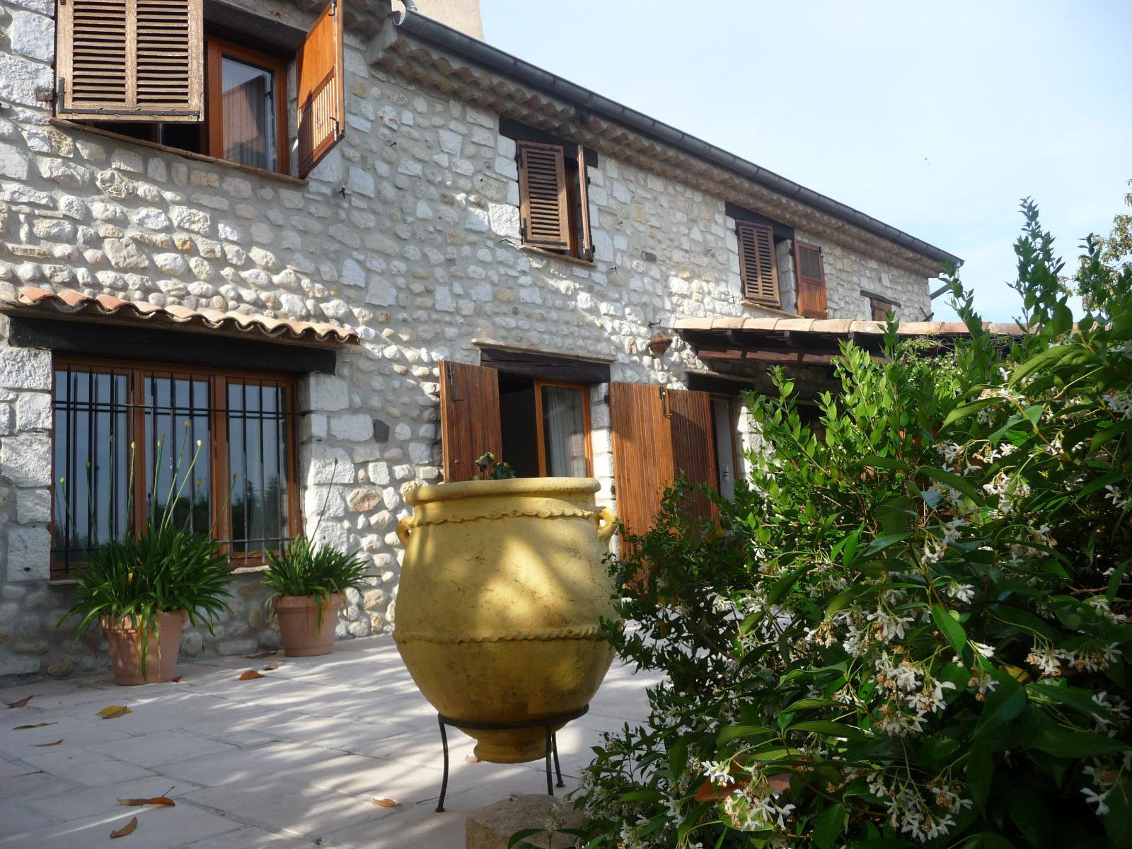 Old stone farmhouse renovated with taste