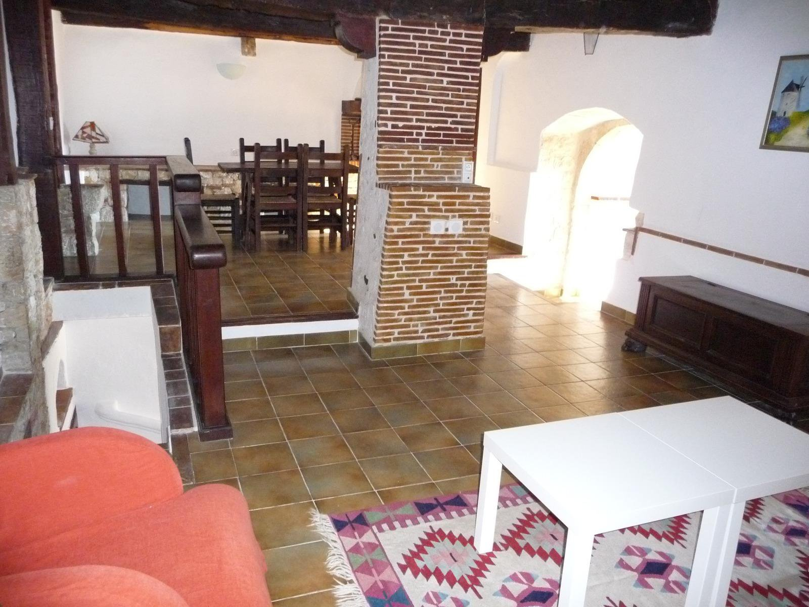 In the old village, house 3/4 rooms immaculate with beautiful garden view