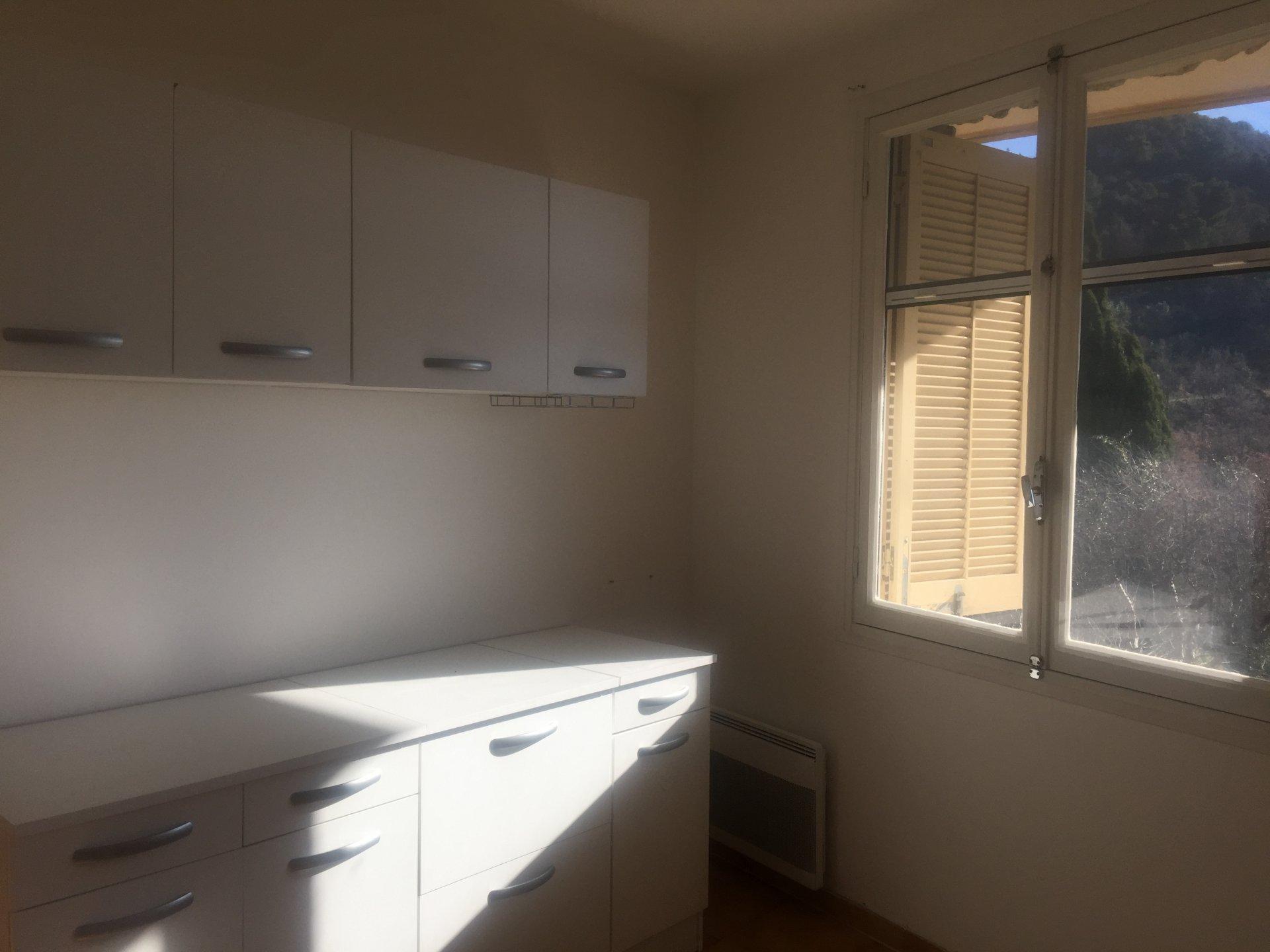 Rental Apartment - Châteauneuf-Villevieille