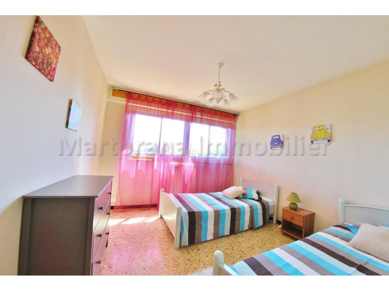 2 bedrooms apartment for 6 people with garden and pool at 5 minutes from the beaches!