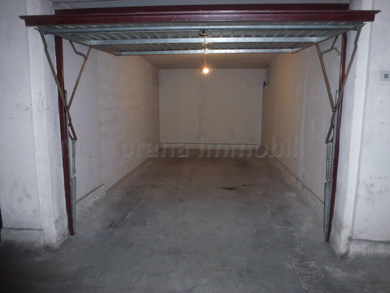 Studio de 35m² 6 personnes avec garage à 260m des plages de Juan les pins