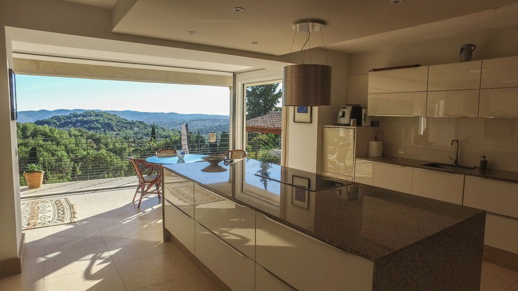 Kitchen, natural light, kitchen island