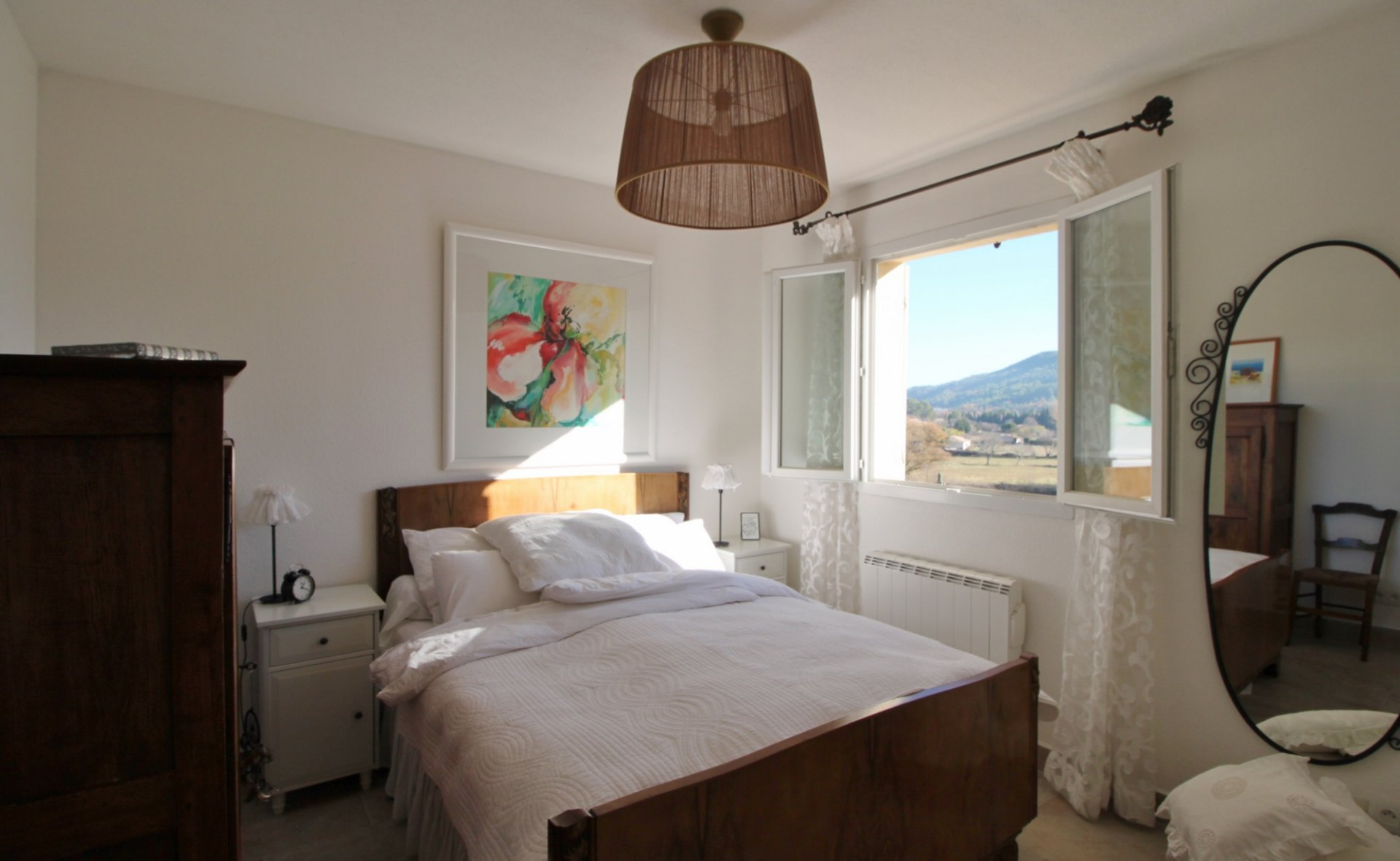Cozy pied-à-terre with beautiful view