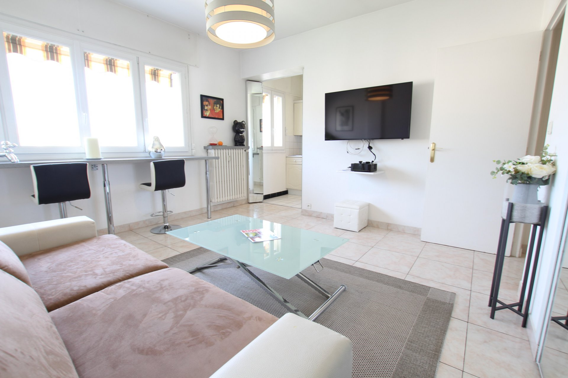 1 room in Cannes