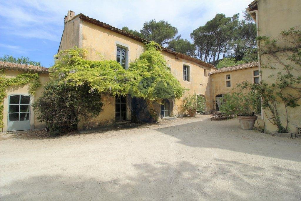 Historical property near Avignon
