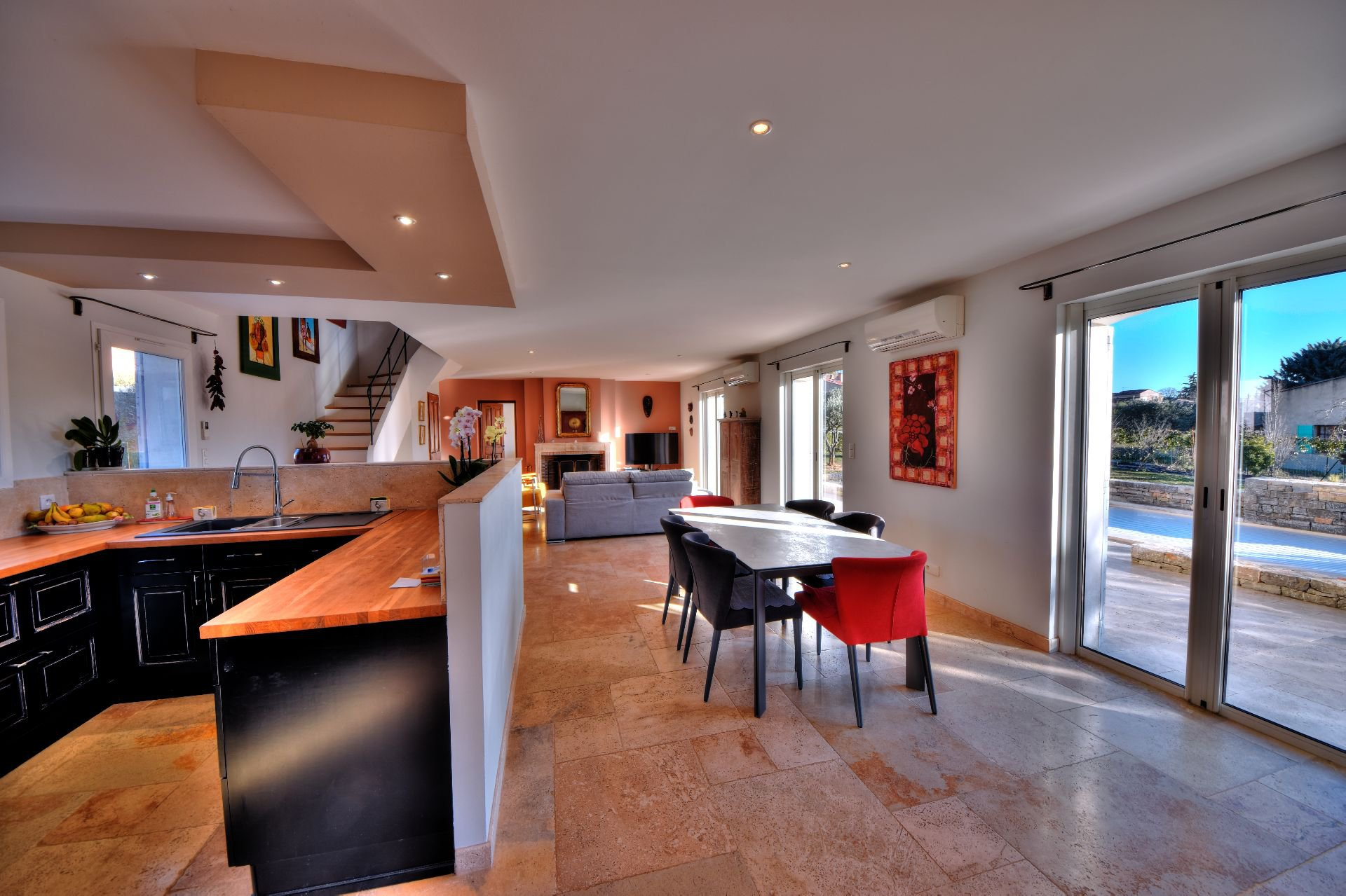 View of the entrance of the Bastide 4 bedrooms with swimming pool Aups, Var, Provence
