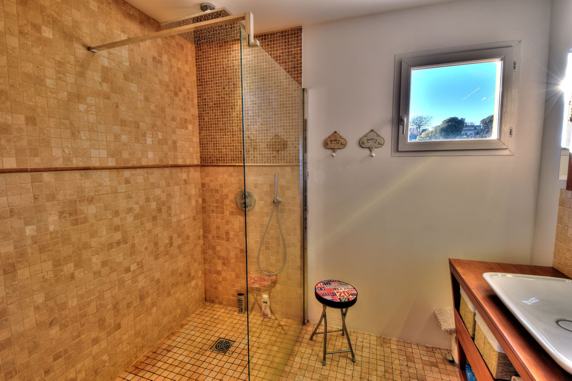 Room of water of the Parental Bedroom on the first floor of the bastide 4bed rooms with swimming pool Aups, Var, Provence