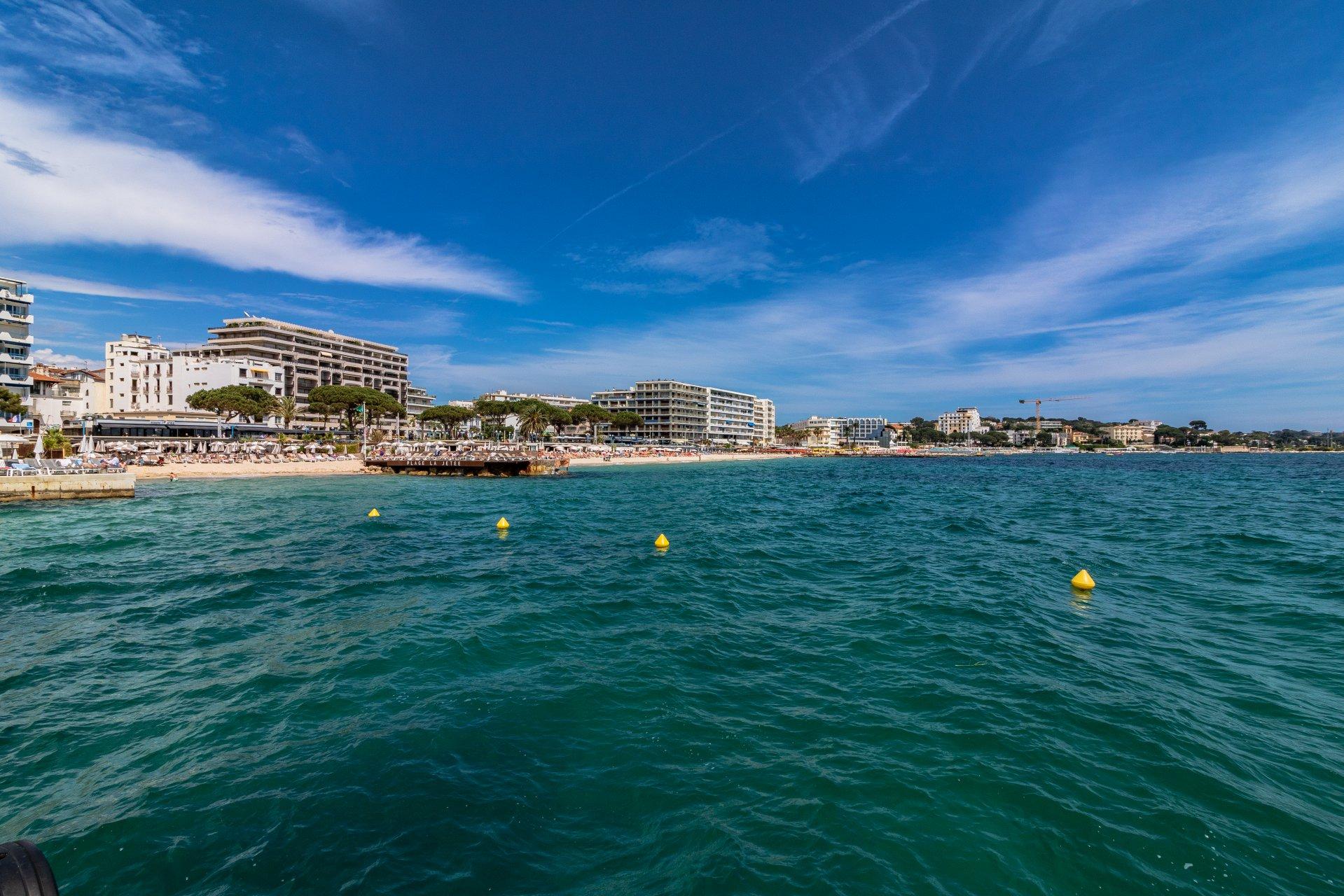 Front de mer, 3 pièces rez-de-jardin à Juan-les-Pins