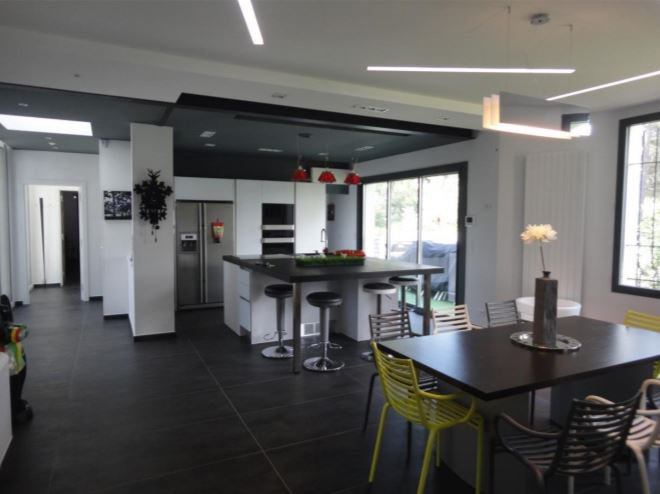 Skylight, natural light, kitchen bar