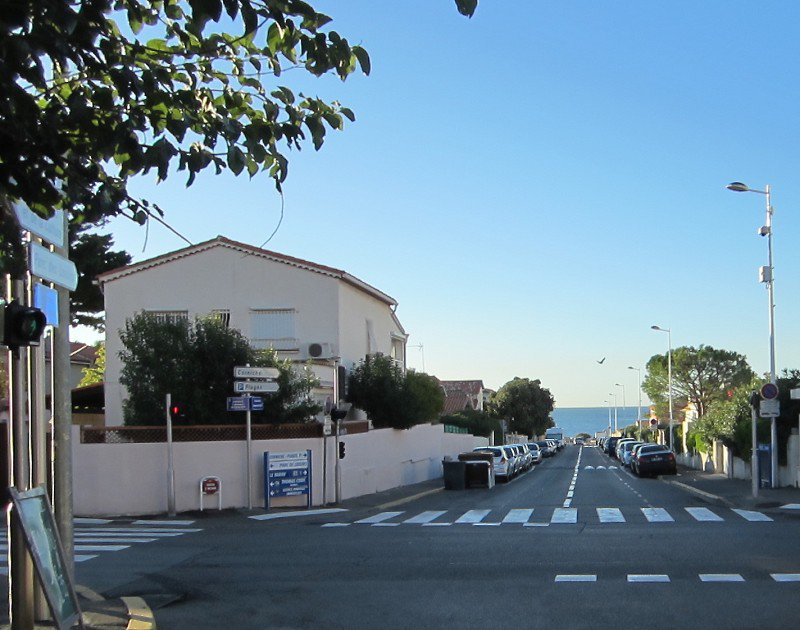 LOCATION APPARTEMENT NEUF EN REZ DE CHAUSSEE CENTRE VILLAGE