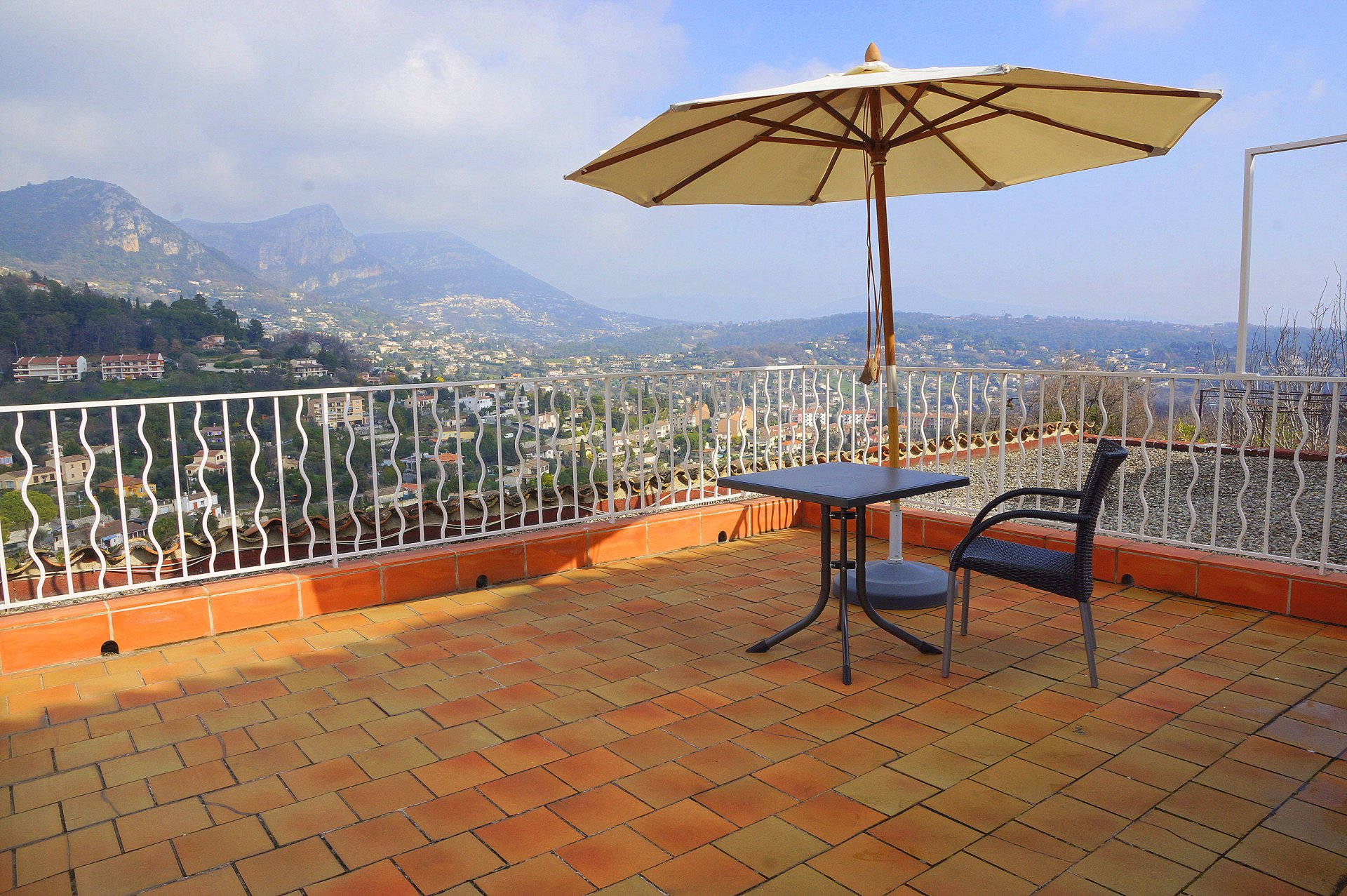 APARTMENT IN THE CENTER OF VENCE