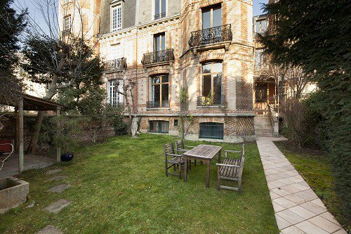 PRIVATE LANE AVENUE FOCH Paris 16th, private mansion with garden