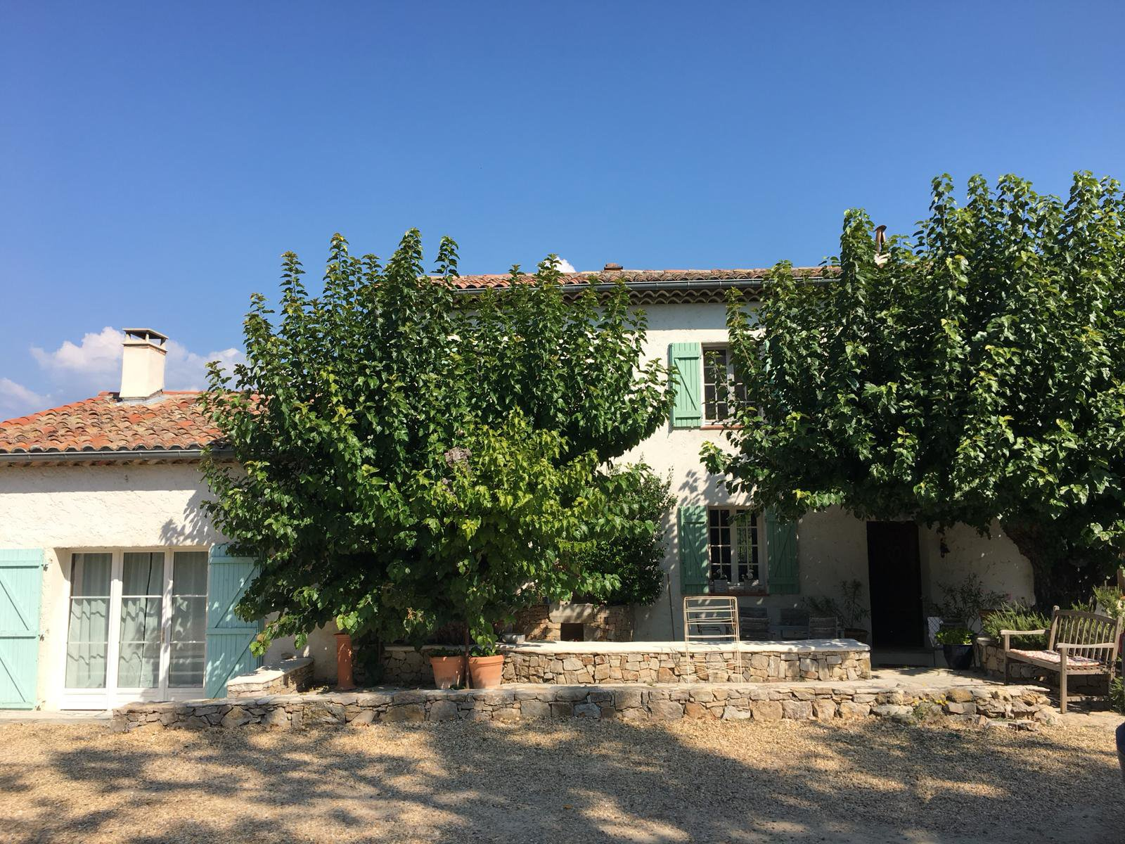 Old renovated  traditional Bastide in the middle of the vines in Lorgues