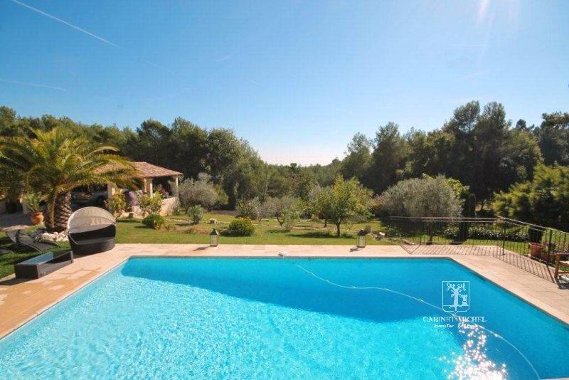 Lovely Provencal style villa...