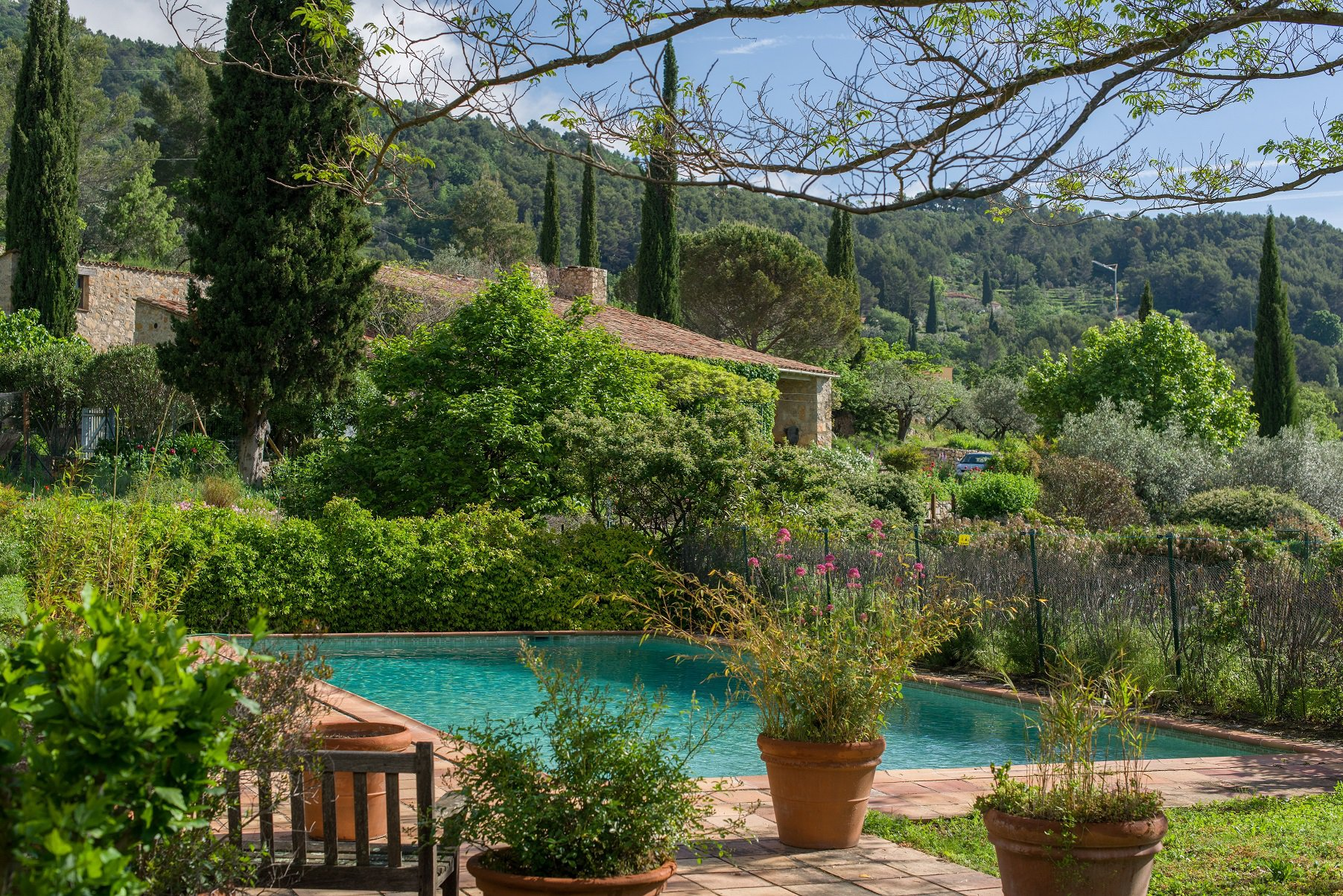 Seillans: property 23000 m² of land, lovely view !