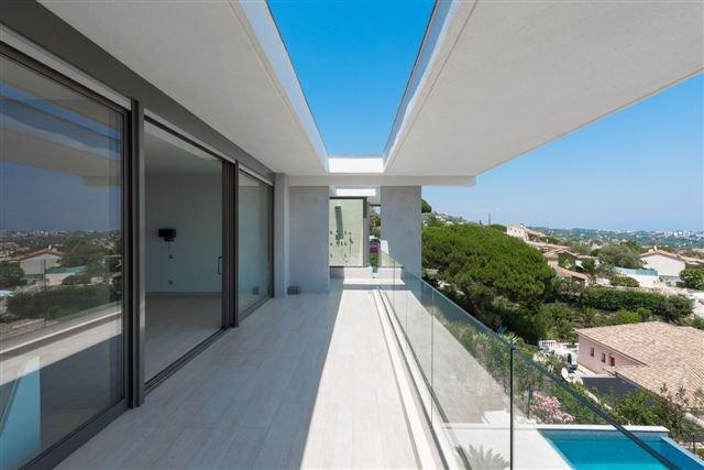 Vallauris (06220) - Villa architecte - Hauteurs Cannes (06400)