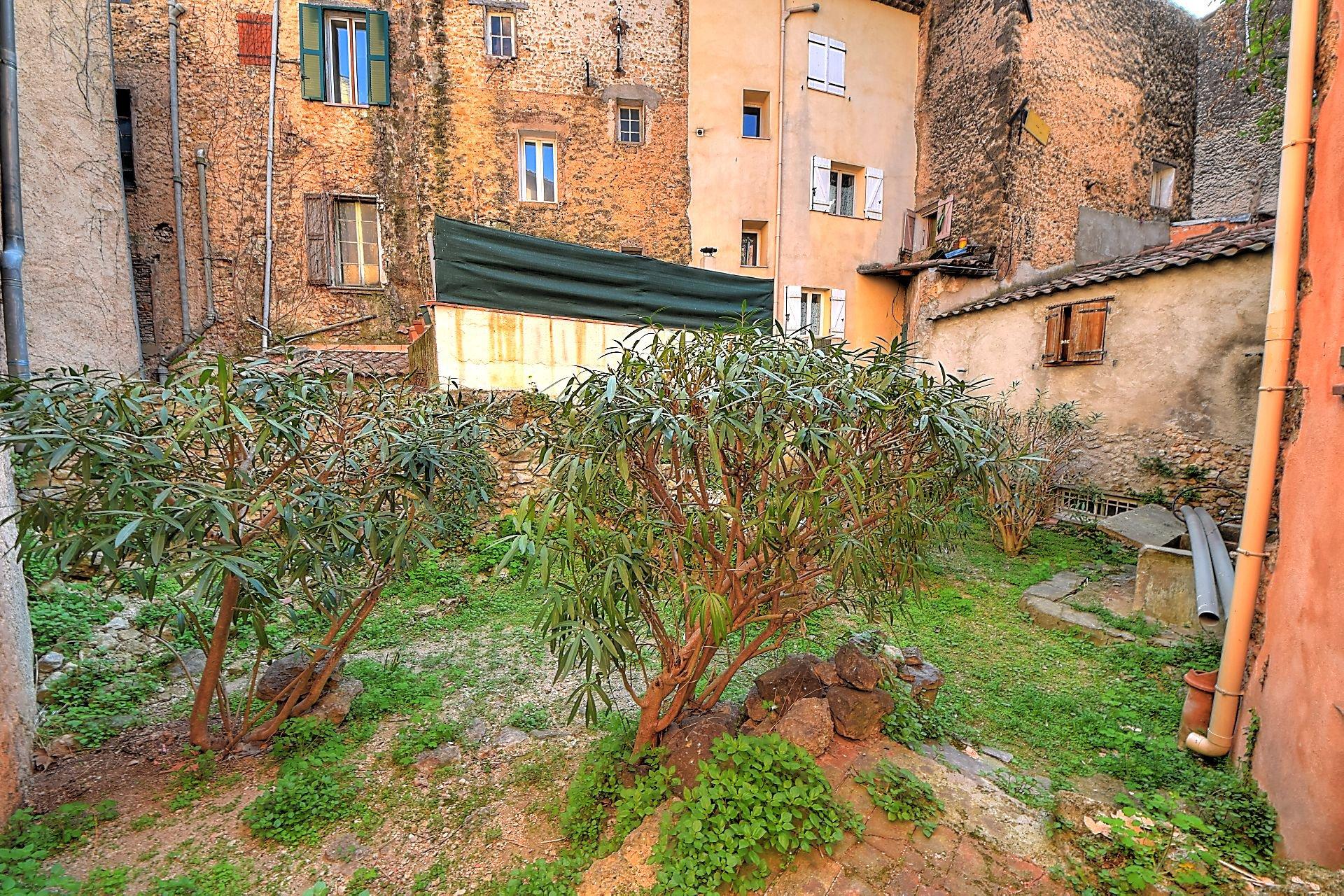 Maison de village de 140m² avec jardin